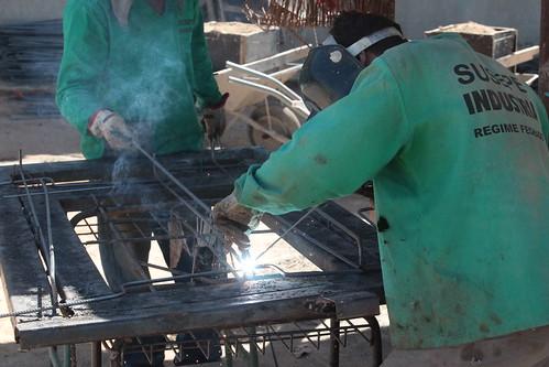 Inserção de presos no mercado de trabalho beneficia empresas e sociedade