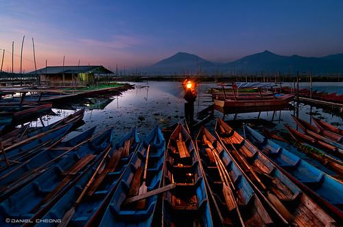 blue light lake lamp digital sunrise indonesia boats dawn 1 java fisherman nikon central explore lantern yogyakarta dri rawa pening blending d300 danielcheong danielkhc tokina1116mmf28
