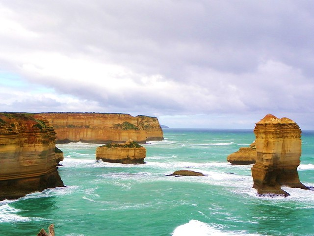 12 Apostles Great Ocean Road Victoria Australia - photo by Caro Embrey Flickr