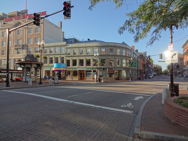 Sunday morning @ Harvard Square HDR
