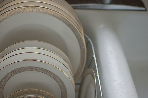plates, waiting