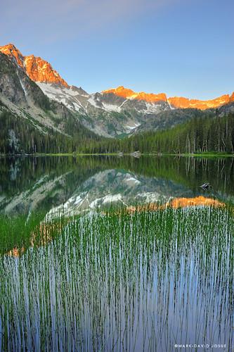 lake sunrise reeds landscape washington nikon unitedstates stuart mount 24mm wenatchee alpenglow gnd leefilters d700