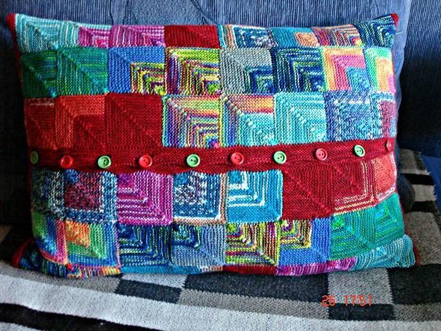 angelika strickt 4 patchwork kissen. Black Bedroom Furniture Sets. Home Design Ideas