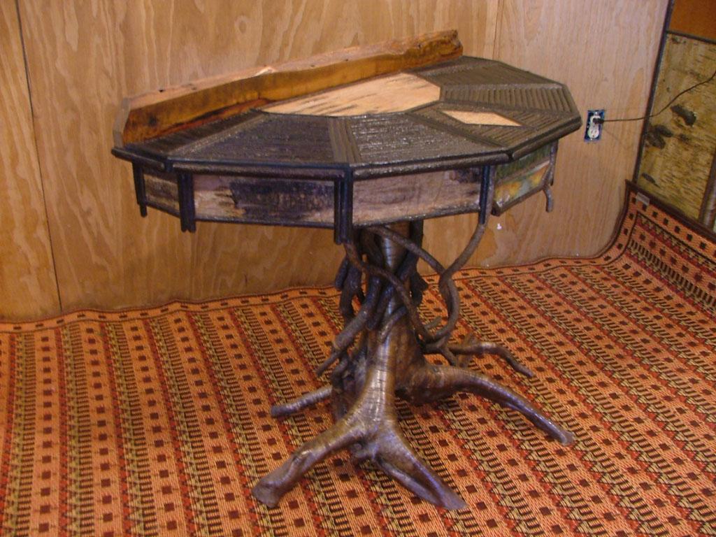 Demi lune table