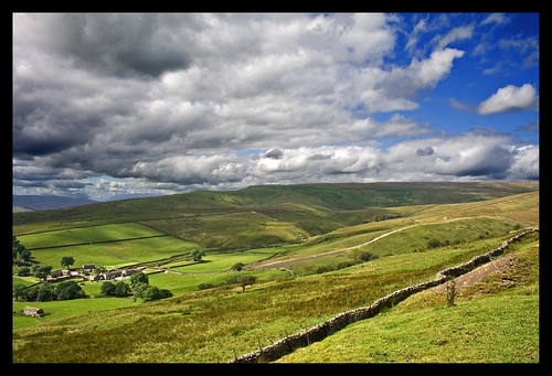 Beautiful Yorkshire Dales picture by Flickr User Fields of View