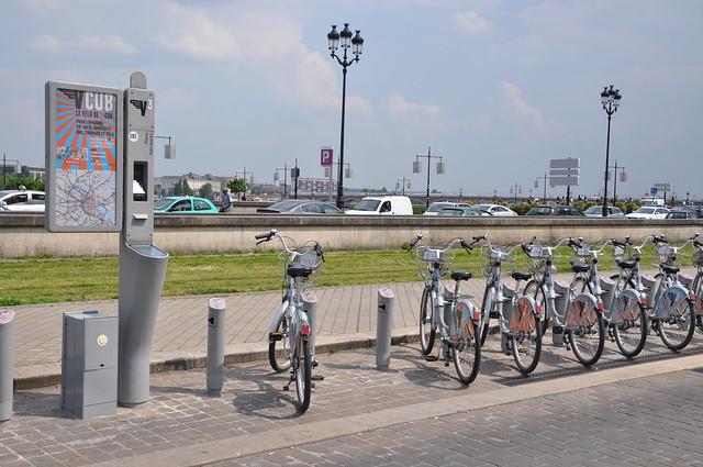 http://hojeconhecemos.blogspot.com.es/2011/04/do-la-cub-bicicleta-bordeus-franca.html