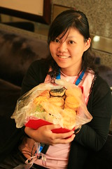 行政組工頭小菲和田愛娜從北京帶來的點心