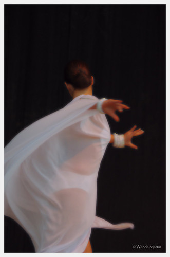 Expo Latino 2011- dancer in white