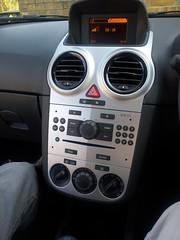 seat altea(0.0), automobile(1.0), opel(1.0), vehicle(1.0), land vehicle(1.0),