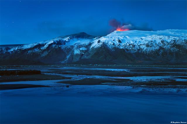Eyjafjallajökull Erupting Volcano - South Iceland
