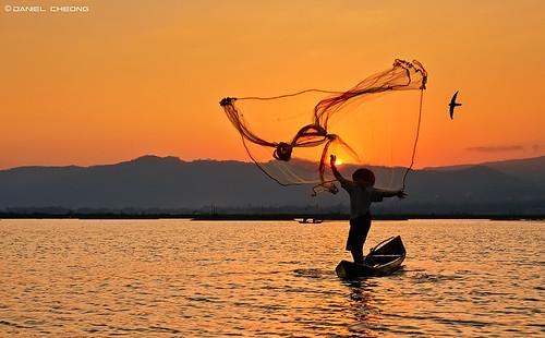 sunset lake bird net indonesia 1 fishing fisherman nikon explore rawa pening d300 tamron1750mmf28 danielcheong danielkhc