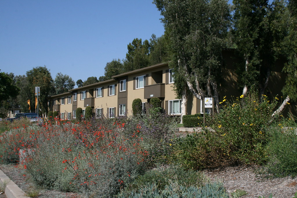 Hillside Gardens Apartments