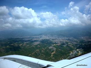Aproximándonos al Aeropuerto Palonegro.  Bucaramanga Colombia