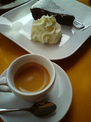 Espresso COE Ruanda Burmera and chocolate cake at Henrici