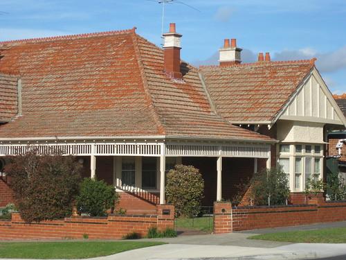 A Large Queen Anne Villa - Essendon