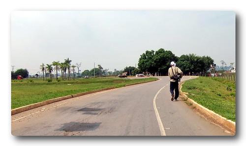 Chris on the road to Boca da Acre
