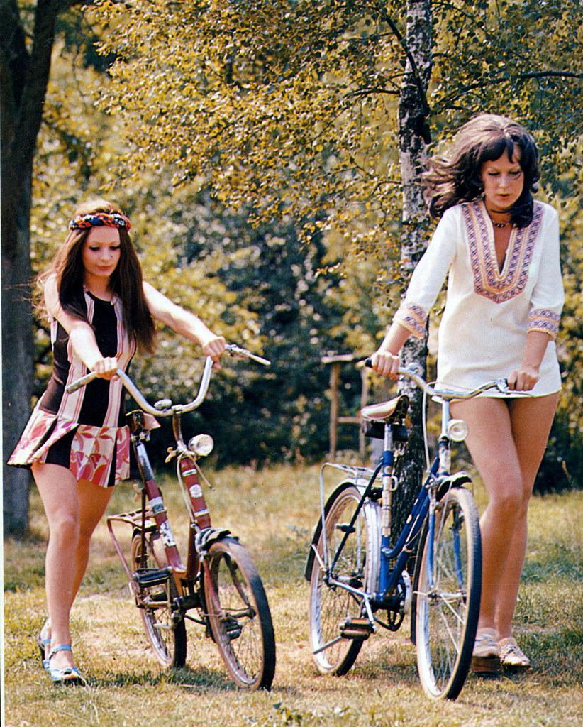 Retrospace Mini Skirt Monday #133 Minis u0026#39;nu0026#39; Bikes
