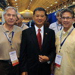 Secretary Shinseki with Native American Veteran Small Business Owners David Glass and Paul Glass of the White Earth Nation in Minnesota.