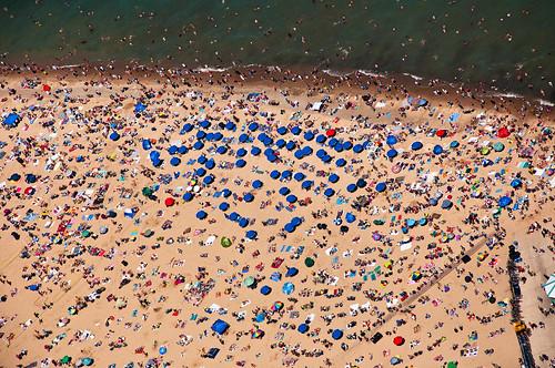 summer chicago beach nikon oakstreetbeach chicagoist banias d90 johnhancockobservatory