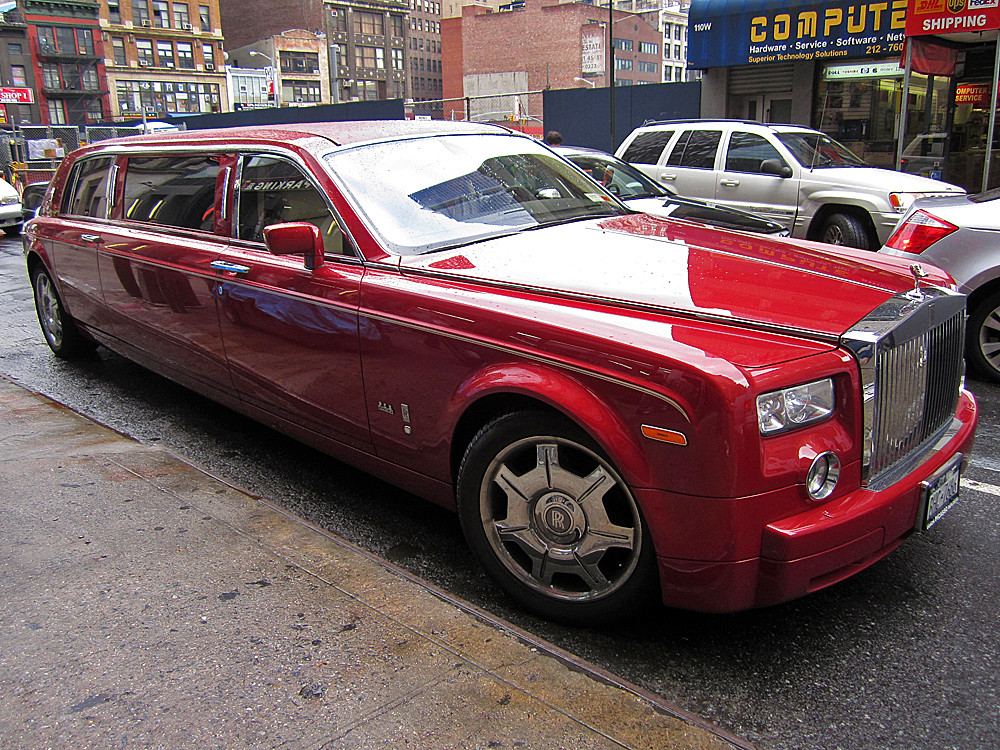 Bentley Spotting Rolls Royce Phantom Stretched