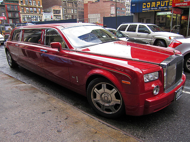Rolls-Royce Phantom Stretched limo