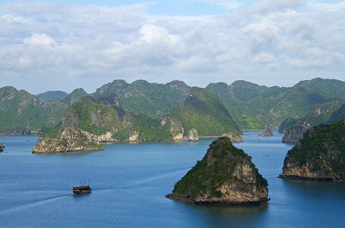 ocean morning travel blue sea mountains canon island islands bay boat junk asia southeastasia vietnam exotic boating huge getty hanoi halong halongbay junkboat halongbayvietnam eos7d