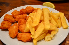 fried prawn(0.0), fish(0.0), mozzarella sticks(0.0), chicken fingers(0.0), steak frites(0.0), meal(1.0), junk food(1.0), frying(1.0), deep frying(1.0), fish and chips(1.0), fried food(1.0), side dish(1.0), vegetarian food(1.0), french fries(1.0), food(1.0), dish(1.0), chicken nugget(1.0), cuisine(1.0), fast food(1.0),