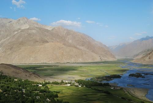mountain altitude corridor tajikistan grua pamir badakshan tadjikistan wakhan badakhshan allpictures®and© bernardgrua