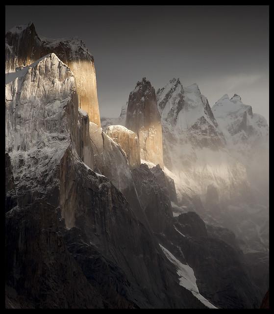nameless tower (6239m)