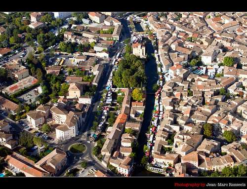 houses france colors canon town cityscape south aerialview aerial jeanmarc islesurlasorgue canon7d rosseels