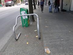 木, 2011-08-11 16:53 - 自転車置き