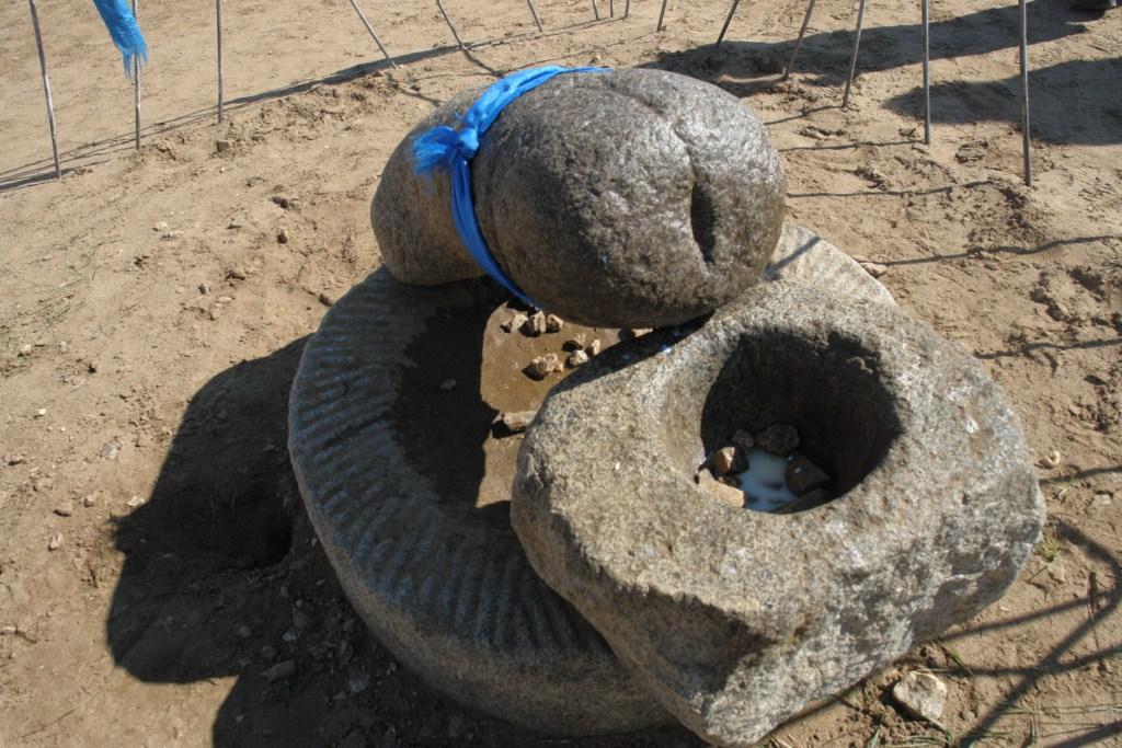 Piedra Fácica en las colinas erdene zuu, el inicio sagrado del imperio mongol - 6059566458 8e78764b42 o - Erdene Zuu, el inicio sagrado del imperio Mongol