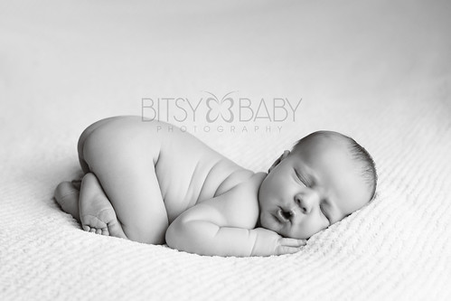 newborn photographers fishy lips2