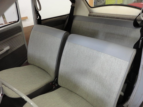 Bekleding en tapijt volkswagen kever 1964 dominique scholtes for Interieur auto bekleden