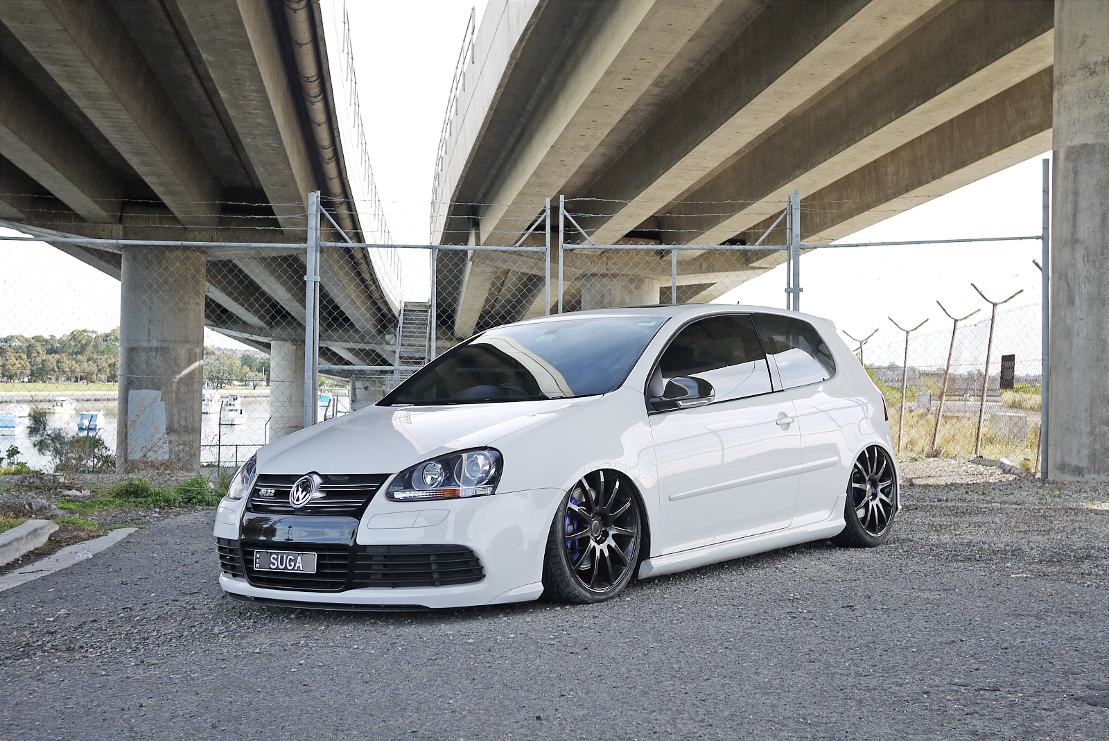 the gallery for vw golf r32 white. Black Bedroom Furniture Sets. Home Design Ideas