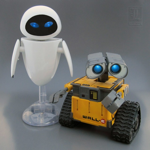 Wall E Toys : Pixar interaction eve and wall e talking light up action