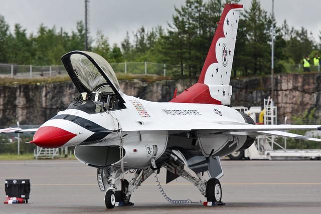 USAF Thunderbirds no. 3
