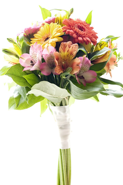 This is a tropical wedding centerpiece of wholesale wedding flowers