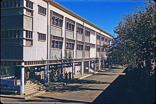 Algérie. Cherchell 1962. Bâtiments de l'EMI. Kodachrome.