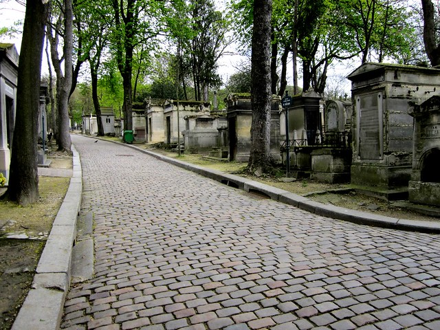 pere lachaise self guided tour