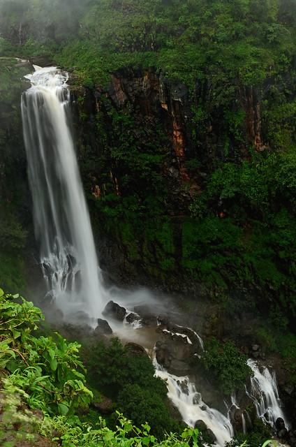 Milk [Nikon D7000][Nikon 35mm F1.8 G][Chikhaldara][Waterfall]