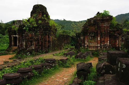 Ruins of Mỹ Sơn by Gregor  Samsa