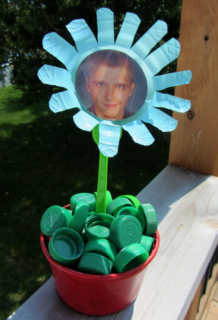 guest post-repurposed plastic photo flower from tracie lampe post