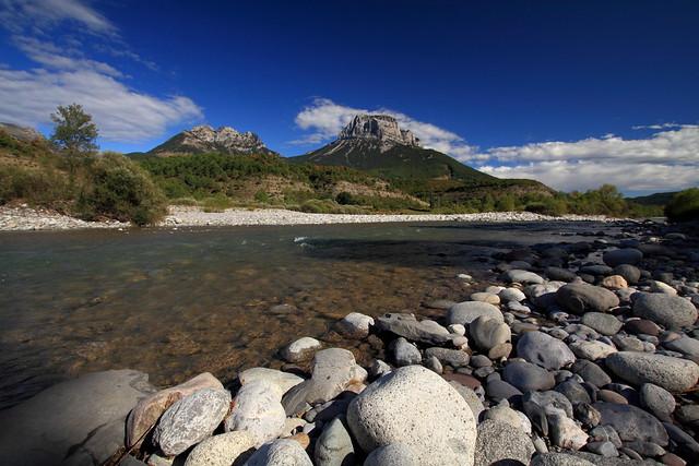 Le Rio Cinca et la Pena Montanesa