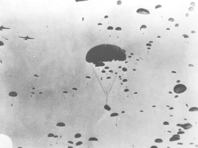 101 Airborne Division in WW2 http://www.flickr.com/photos/fortcampbell/6025794587/