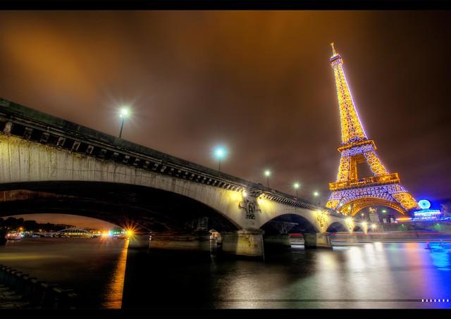 ☞ Blue Eiffel ☜