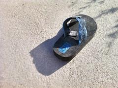 shoe(0.0), footwear(1.0), sandal(1.0), flip-flops(1.0), blue(1.0),