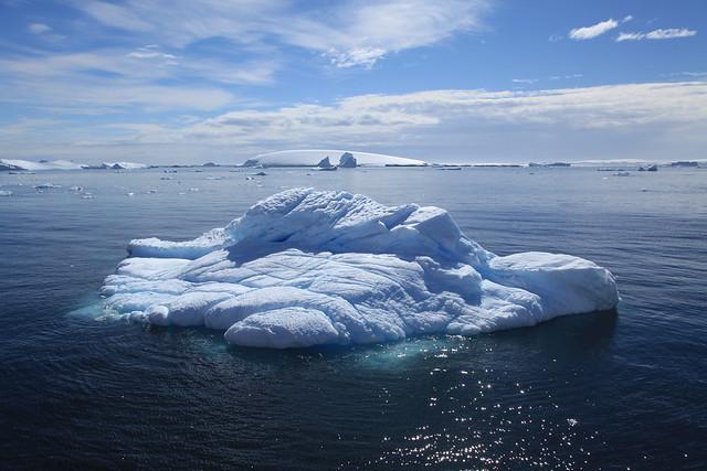 Iceberg en el canal de Lemaire, La Antártida