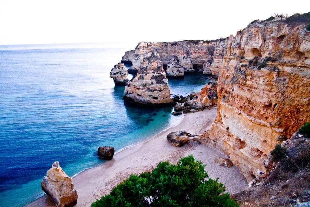 пляж Praia do Marinha