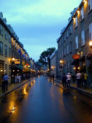 Rue Saint Louis at dusk by colinho